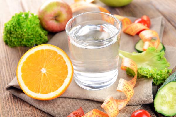 szklanka czystej wody